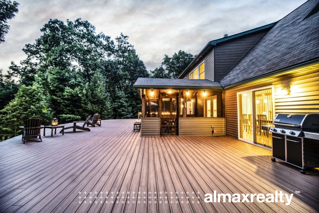 Luxury Hudson Valley Villa for Sale: 31 Tondo Ave, Saugerties, NY 12477 - Real Estate Listing Photography by Duncan Avenue